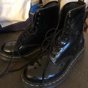 EUC Dr. Martens Patent Leather Boots Sz. 7